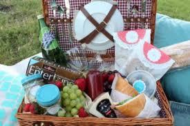 picnic basket ideas diy picnic blanket tips for date picnic ideas