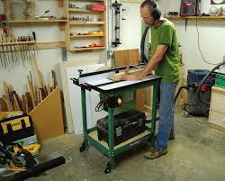 how to use a router table choosing a router table canadian woodworking magazine