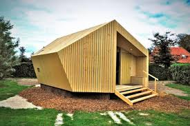Prefabricated Cabins And Cottages by Trek In Prefab Cabin Offers Luxury Sustainable Lodgings For