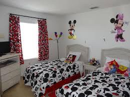 spacious luxury 4 bed disney villa with pool garden games room