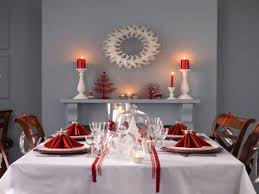 white christmas ideas for decorating red christmas table