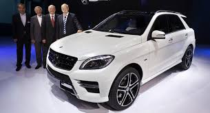 mercedes m suv mercedes drops 72 high res photos and more info on 2012 ml class suv
