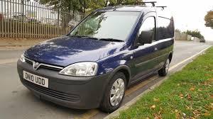 vauxhall combo vauxhall vivaro crew double cab kombi 6 seat van 2 0cdti 2900 lwb