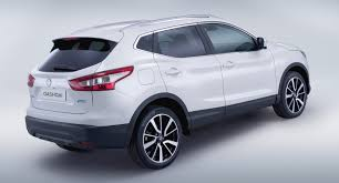 nissan dualis 2013 nissan qashqai pricing and specifications photos 1 of 4