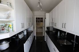 cuisine en noir cuisine noir et blanc laque salon moderne chic homewreckr co