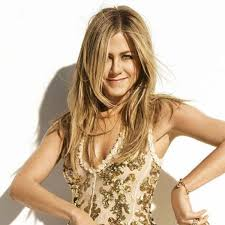 what is the formula to get jennifer anistons hair color jen aniston s golden dimensional blonde behindthechair com