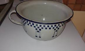 pot de chambre ancien ancien pot de chambre vase de nuit faïencerie de castres