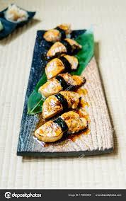 jeu de cuisine sushi jeu de sushi de foie gras photographie mrsiraphol 170983608