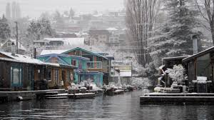 Sleepless In Seattle Houseboat by Houseboats In The Snow Seattle Floating Homes