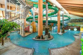 Minnesota wild swimming images Minnesota indoor water parks year round weatherproof fun jpg