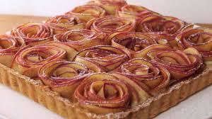 cuisine tarte aux pommes tarte aux pommes en pétales de roses recette par dans la famille
