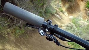 wolftooth remote light action wolf tooth components goes long with new remote la singletrack