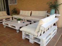 comment fabriquer un canapé en palette un canapé blanc qui va