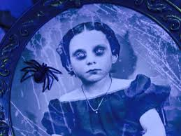 spirit halloween 2016 props spider portrait spirit halloween 2016 prop youtube