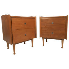 pair of mid century modern nightstands by hooker for sale at 1stdibs