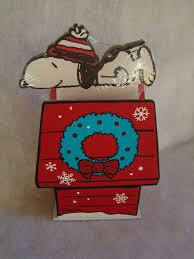 snoopy christmas dog house best 25 snoopy dog house ideas on snoopy birthday