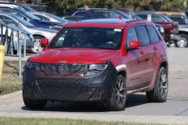 jeep hawk track 2018 jeep grand cherokee trackhawk first spy shots gtspirit