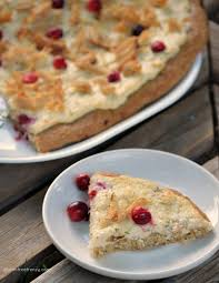 thanksgiving leftover meals turkey cranberry pizza