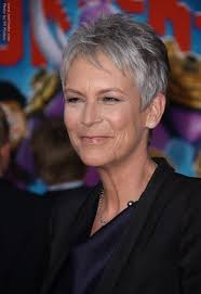 how to get jamie lee curtis hair color jamie lee curtis fashionable and effortless pixie for gray hair