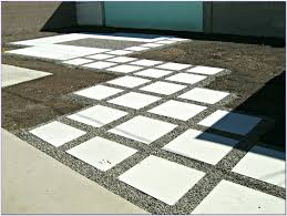 Laying Patio Pavers by Laying Patio Pavers Slope Patios Home Decorating Ideas L1pvexoyn9