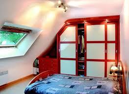 chambre avec placard chambre sous mansarde avec placard