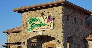 5 of the best restaurants to work for according to glassdoor