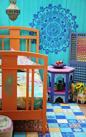 best 25 moroccan inspired bedroom ideas only on pinterest janice issitt s last painter in residence project sings with color in this moroccan inspired bohemian bedroom we re in love with her use of these bold