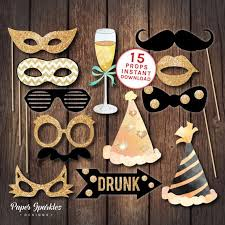 Quick And Easy New Years Decorations by Best 25 Party Props Ideas On Pinterest Props Photobooth Alice