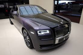 roll royce grey rolls royce ghost elegance adds some sparkle to geneva auto express