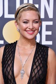 hairstyles golden globes kate hudson s hair at the 2018 golden globes popsugar beauty
