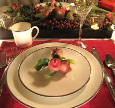 Dining Room Table Settings Ideas by Captivating Christmas Dining Table Decorations With Artificial