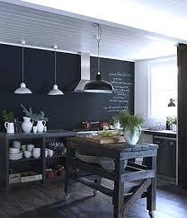 mur noir cuisine peinture mur noir la peinture tableau noir fait parler les murs de