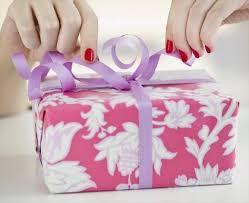 idã e cadeau 1 an de mariage un cadeau d anniversaire de mariage parfait envie de plus belge