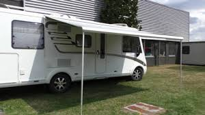 Dometic Caravan Awnings Extracting U0026 Retracting Of A Dometic Awning Youtube