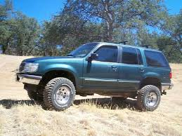 2000 ford explorer lift pics of lifted x s with 32 s ford explorer and ford ranger