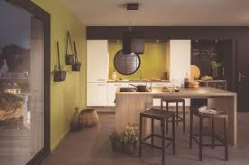 ilot repas cuisine ilot central table escamotable maison design bahbe com