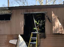 Trailer Garage by Firefighters Battle Garage Trailer Fires News Times News Com