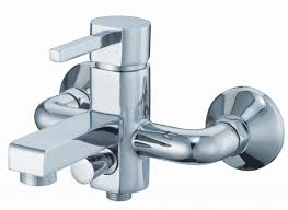 roller badezimmer hausdekorationen und modernen möbeln ehrfürchtiges geräumiges