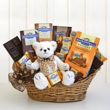 gourmet chocolate gift baskets best 25 chocolate gift baskets ideas on small gifts
