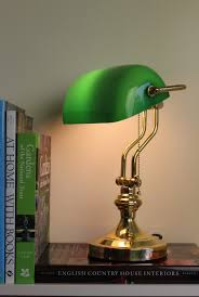 le de bureau banquier laiton verre vert le banquier verte free le bureau banquier le bureau verte