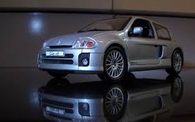 renault clio v6 diecast delights a renault clio v6 in 1 18 scale hooniverse