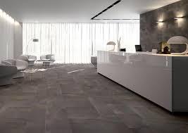 piastrelle per interni moderni in out percorsi pietra di vals piastrelle keope architonic
