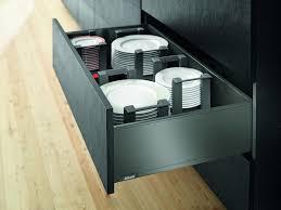 blum cuisine cuisine optimisée les rangements indispensables broder