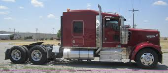 2005 kenworth w900 semi truck item a3852 sold august 17