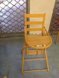 chaise haute b b occasion chaise bebe en bois occasion table de lit a roulettes