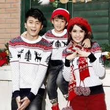 family matching clothes sweaters