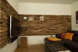 Wohnzimmer Modern Und Alt Baum Stamm Ideen Aus Holz Design Raumteiler Natur Inspiration