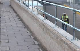 Temporary Handrail Systems Rooftop Guardrail Installation Roof Edge Railings Kee Walk