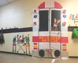 reindeer rescue christmas door christmas and winter pinterest