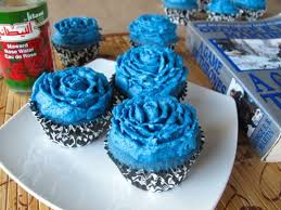 blue rose of winterfell cupcakes guest post spontaneous tomato